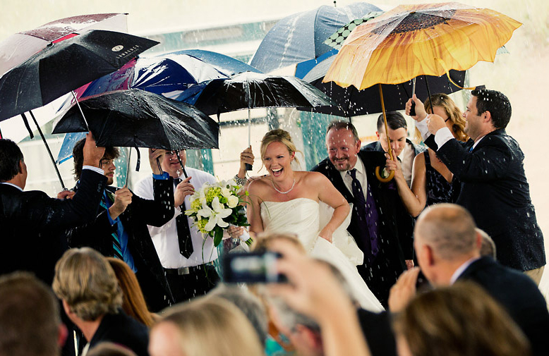 Rainy-wedding-day-pictures.jpg