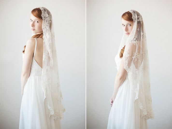 romantic-lace-mantilla-bridal-veil__full.jpg
