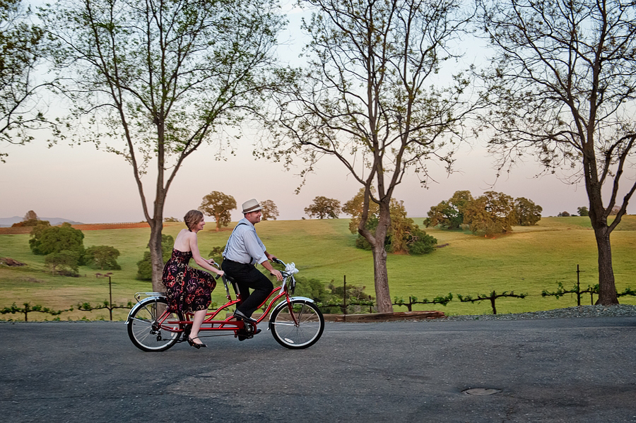 tandem-bike-at-avio-vineyards-jamie-bosworth-photographer.jpg