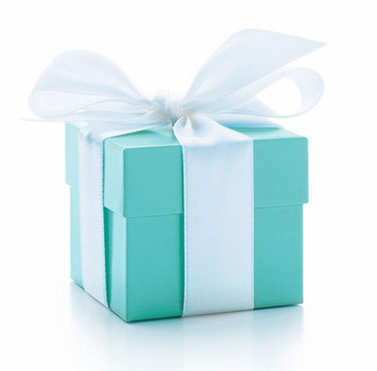 Tiffany-Shoe-Box-via-Shoelingdotcom.jpg