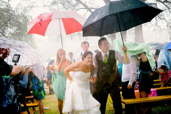 rainy-rustic-wedding-590x392.jpg
