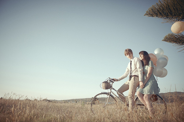picnic-engagement-shoot-blue-red_004.jpg