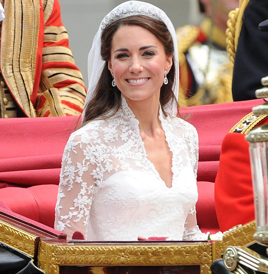 kate-middleton-royal-wedding-carriage-fsjn042911.jpg