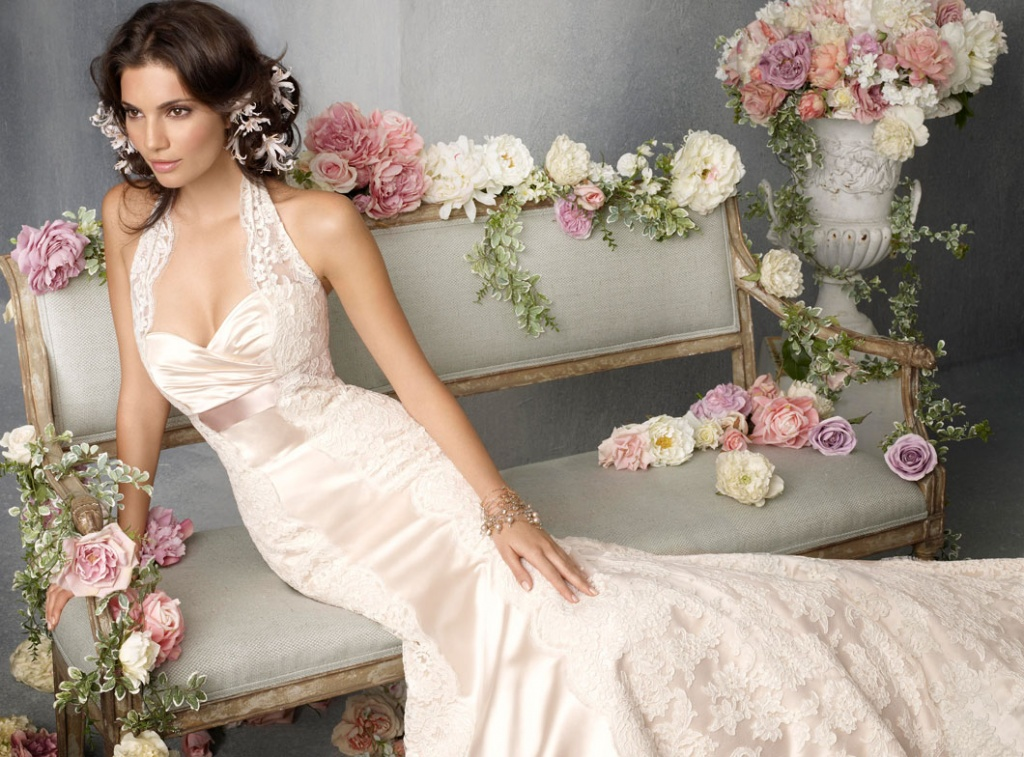 jim-hjelm-bridal-silk-satin-trumpet-gown-lace-halter-sweetheart-neckline-empire-ribbon-chapel-train-8814_zm.jpg