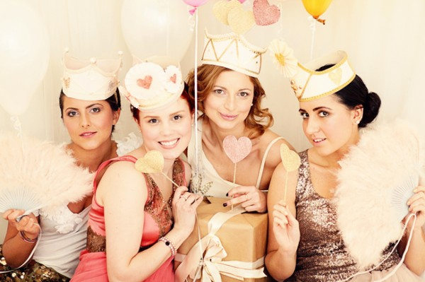 pink-glitter-bridal-shower-600x399.jpg